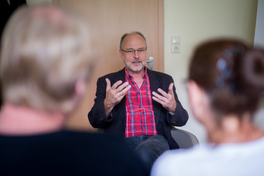 Matthias Haneberg bei der Familienberatung